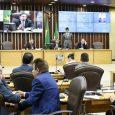 A Assembleia Legislativa aprovou, na sessão desta terça-feira (26), o decreto de calamidade financeira do estado, anunciado pela governadora do Rio Grande do Norte, Fátima Bezerra (PT), no dia 2 […]