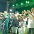 A banda lajense Vandinho Pancada trouxe ao palco da Praça da Folia um grande show, com um repertório diversificado sob o comando do cantor Alysson Senna colocando todo mundo para […]